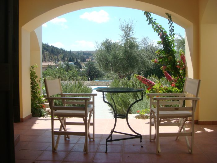 For sale small apartment in Apokoronas