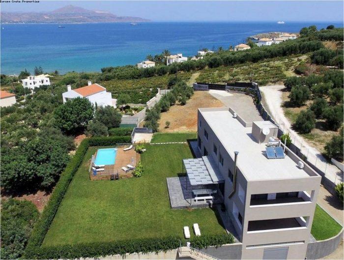 Luxury Villa close to Almyrida