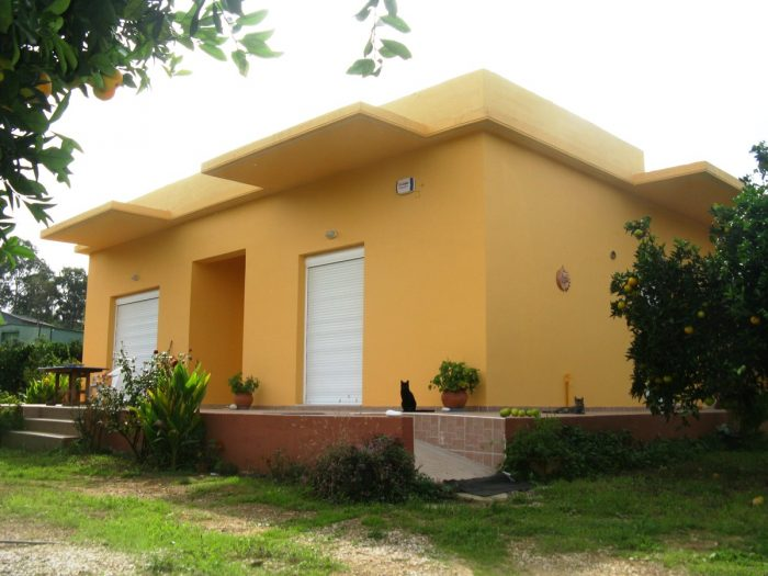 Detached single-level house for sale in Theriso