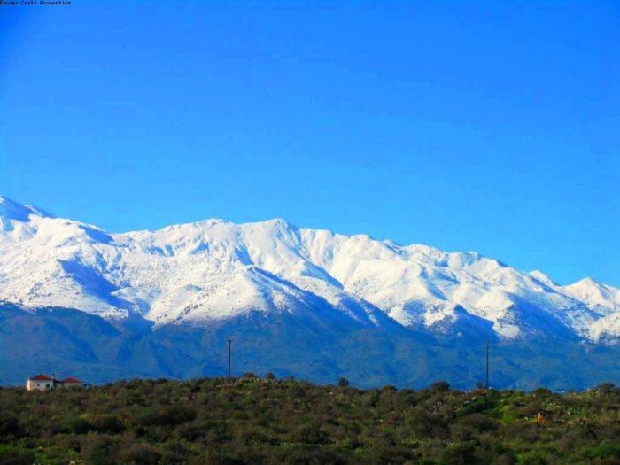 Plot with White Mountain views in Vamos