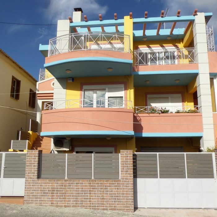Modern detached house in Alikianos