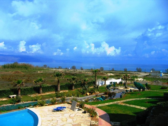 Seafront apartment in Maleme