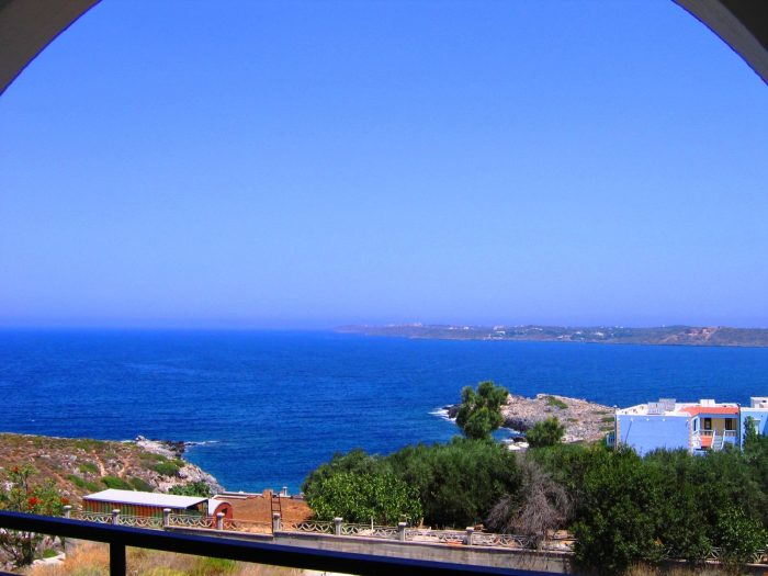 Κτήριο διαμερισμάτων με υπέροχη θέα θάλασσα στο Ακρωτήρι