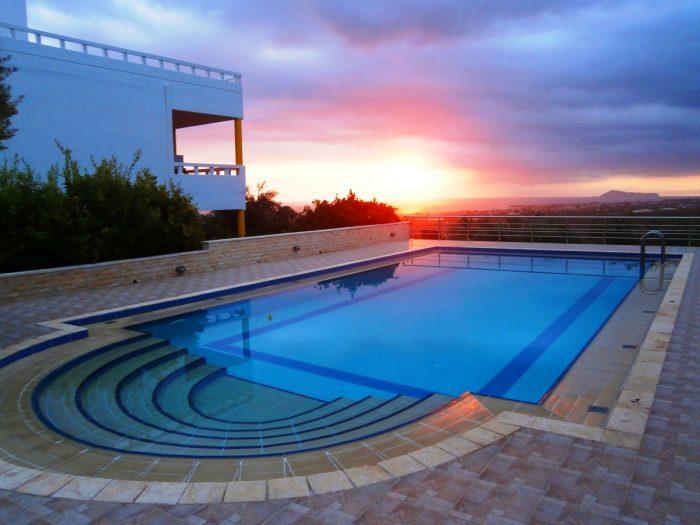 Villa with pool and great views close to Kolymbari