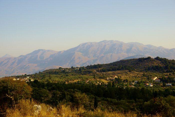 Plot with great White Mountains views in Kefalas, Apokoronas