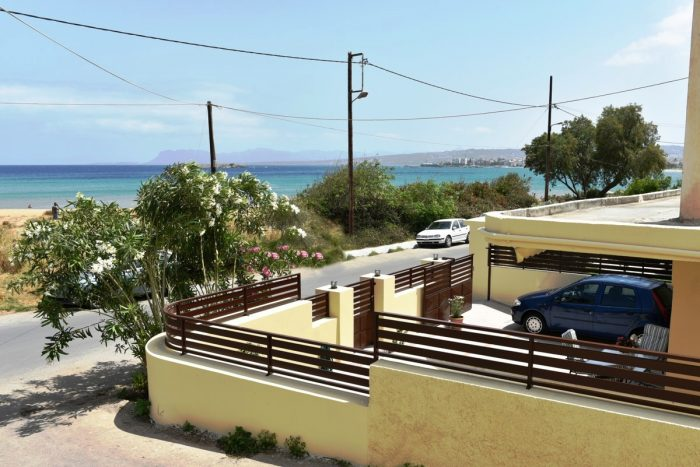 Seaside detached house for rent on the beautiful Golden Beach