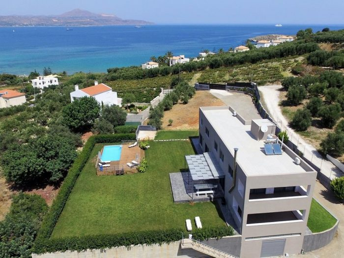 Luxury Villa with private pool in Kera