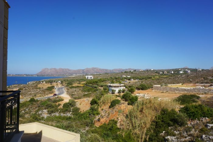 Apartment for a long term rent in Agios Onoufrios