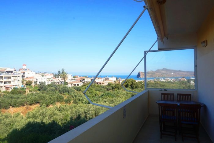 Apartment with sea view and private garden in Agia Marina