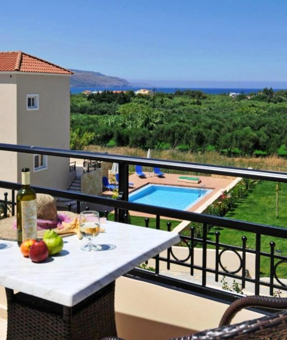 Complex of 7 houses with private pool and sea view close to Kolymvari