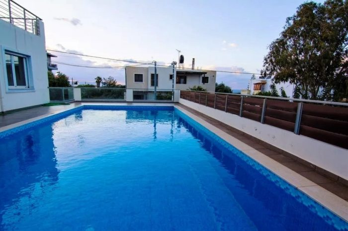 House with a shared pool in Agios Onoufrios
