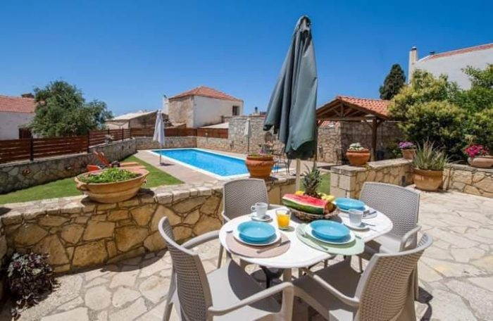 House with a shared pool for a long term rental in Chorafakia, Akrotiri