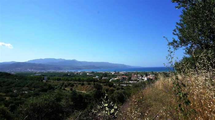 Plot near the area Kolymbari