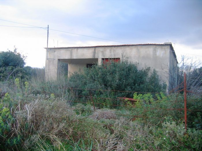 Farmhouse in a beautiful hamlet of Akrotiri