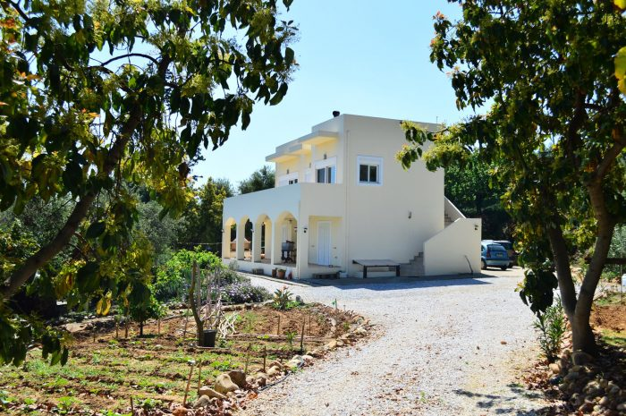 Unfurnished Villa with sea view for rent in Gerani