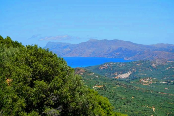 Plot with sea and mountain views in Topolia, Kissamos