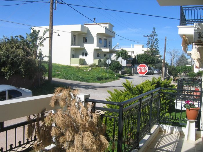 For sale a small apartment in Agios Onoufrios, Akrotiri
