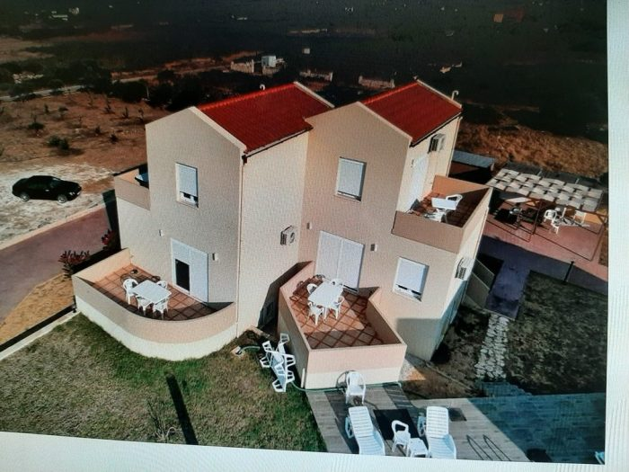 Maisonette for rent in a beautiful complex in Stavros Akrotiri.